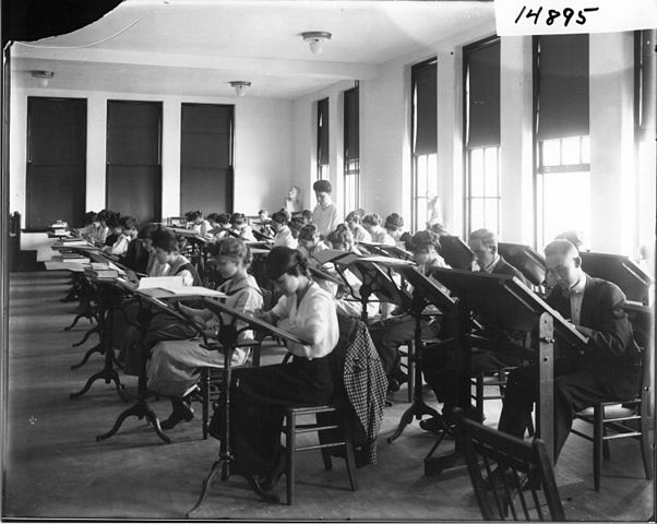 Miami_University_Teachers'_College_free-hand_drawing_class_1915_(3192252182)